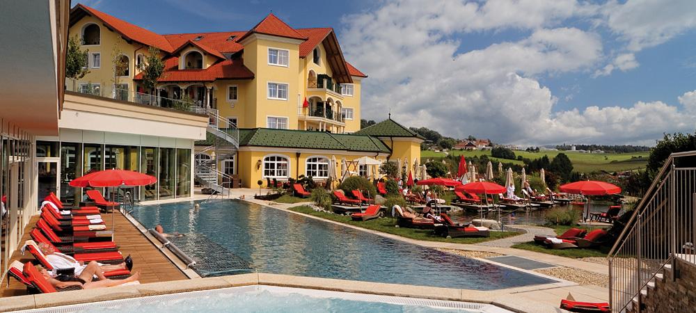 8fe4d1614f Hotel Jagdhof in Röhrnbach, Bayerischer Wald in Bayern. Badewelt im  Bayerischen Wald. Das 5-Sterne ...